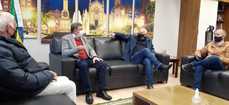 Empresário leva para prefeito de Caxias sugestões para a cidade inteligente