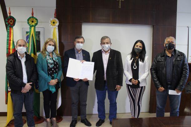 Legislativo devolve R$ 1 milhão à prefeitura de Caxias do Sul para a compra de vacinas contra a Covid-19