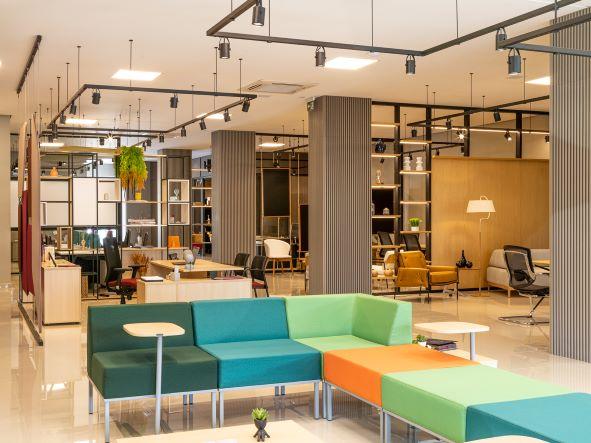 Fabricante de móveis inaugura showroom-modelo na Serra e anuncia outras três lojas ainda em 2021
