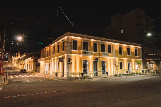 Com 300 vagas, estacionamento de novo shopping de Bento Gonçalves começa a funcionar