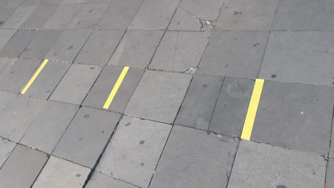 Comércio de Caxias delimita distanciamento nas calçadas para a espera do público