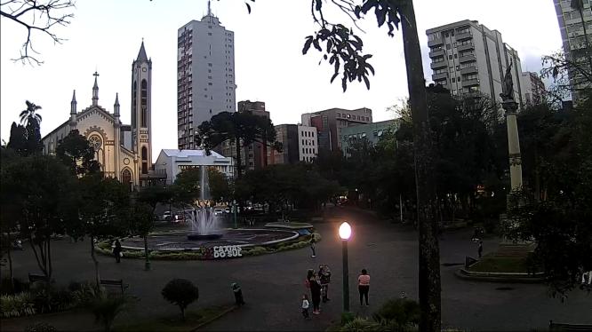 Mesmo em bandeira vermelha, prefeitura de Caxias do Sul aguarda flexibilização do comércio e dos restaurantes