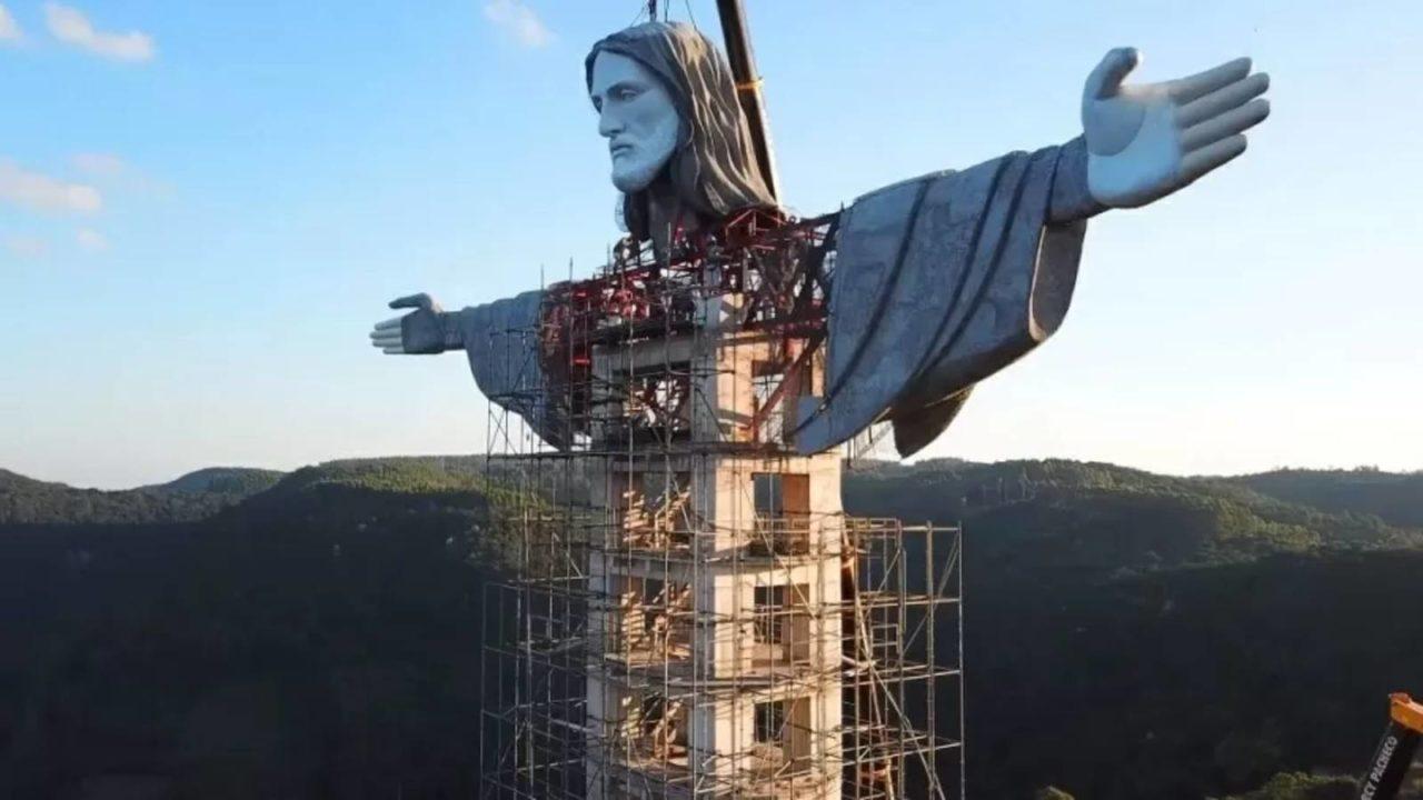 Jesus Cristo, eu estou aqui... em ENCANTADO!