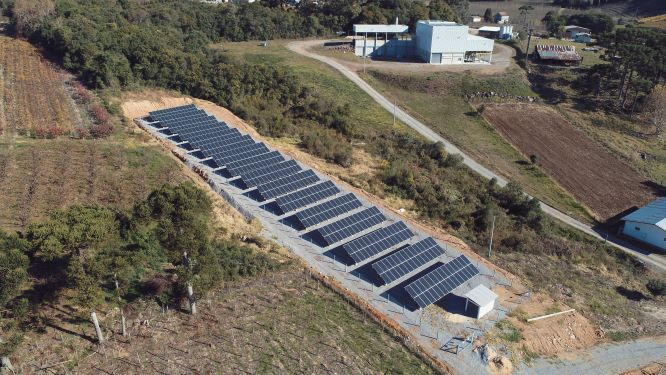 Cooperativa vinícola investe R$ 2,7 milhões em energia solar