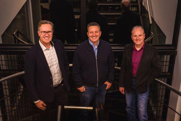 Duas empresas de tecnologia de Caxias do Sul anunciam fusão e integram multinacional canadense