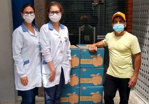 Randon fornece almoço às equipes de vacinação e distribui 7 mil maçãs aos profissionais dos hospitais
